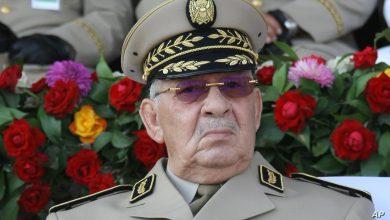 صورة مساندة شعبية وسياسية لمواقف قايد صالح