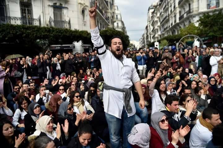 صورة في إحصائيات جديدة.. تعداد الجزائريين يصل إلى 43 مليون نسمة
