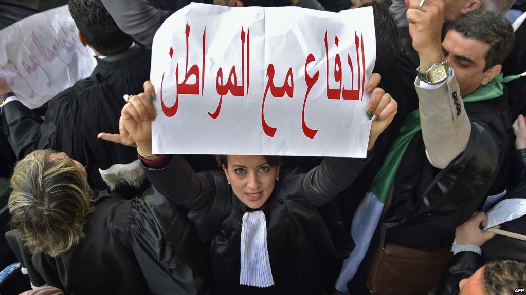 صورة المحامون يعتزمون العودة إلى الشارع كل ثلاثاء
