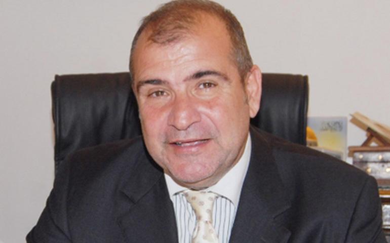 صورة سفير مصر يبحث مع وزير السياحة سبل تعزيز التعاون المشترك
