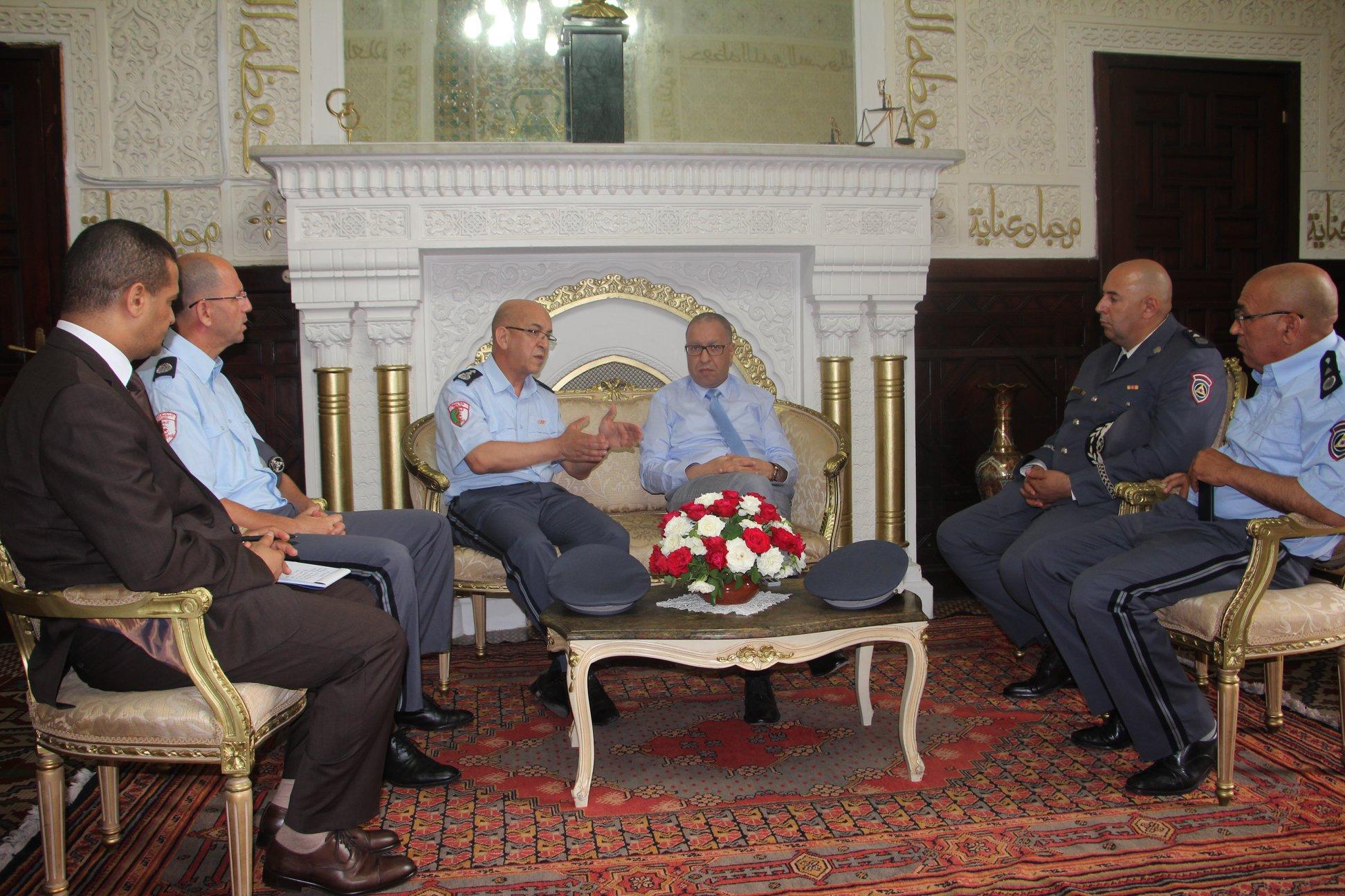 صورة والي العاصمة يشرف على تنصيب المدير الجديد للحماية المدنية لولاية الجزائر