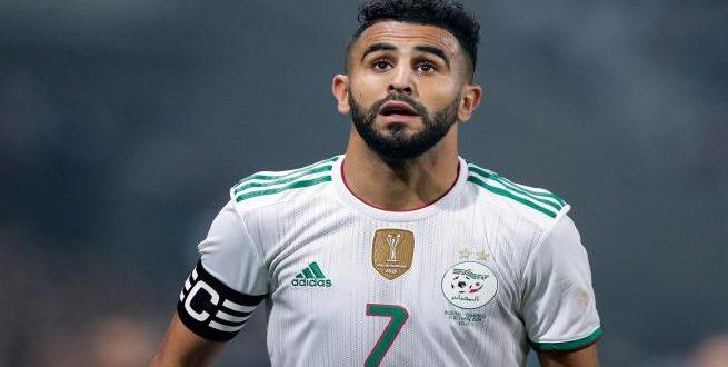 محرز يُجسد روح الفريق الجزائري بلقطة مع بونجاح
