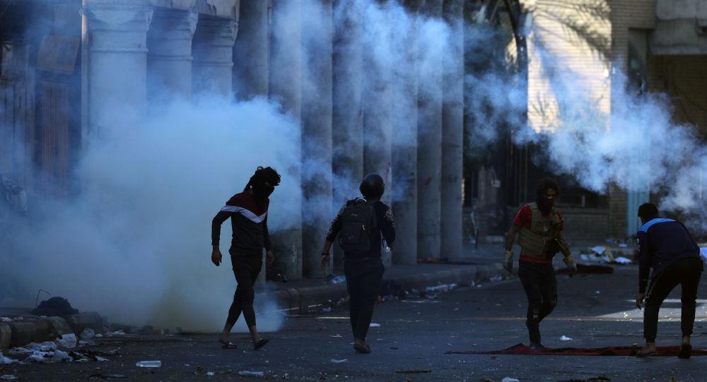 صورة مقتل 32 متظاهر وسقوط أكثر من 300 جريح في ذي قار جنوبي البلاد