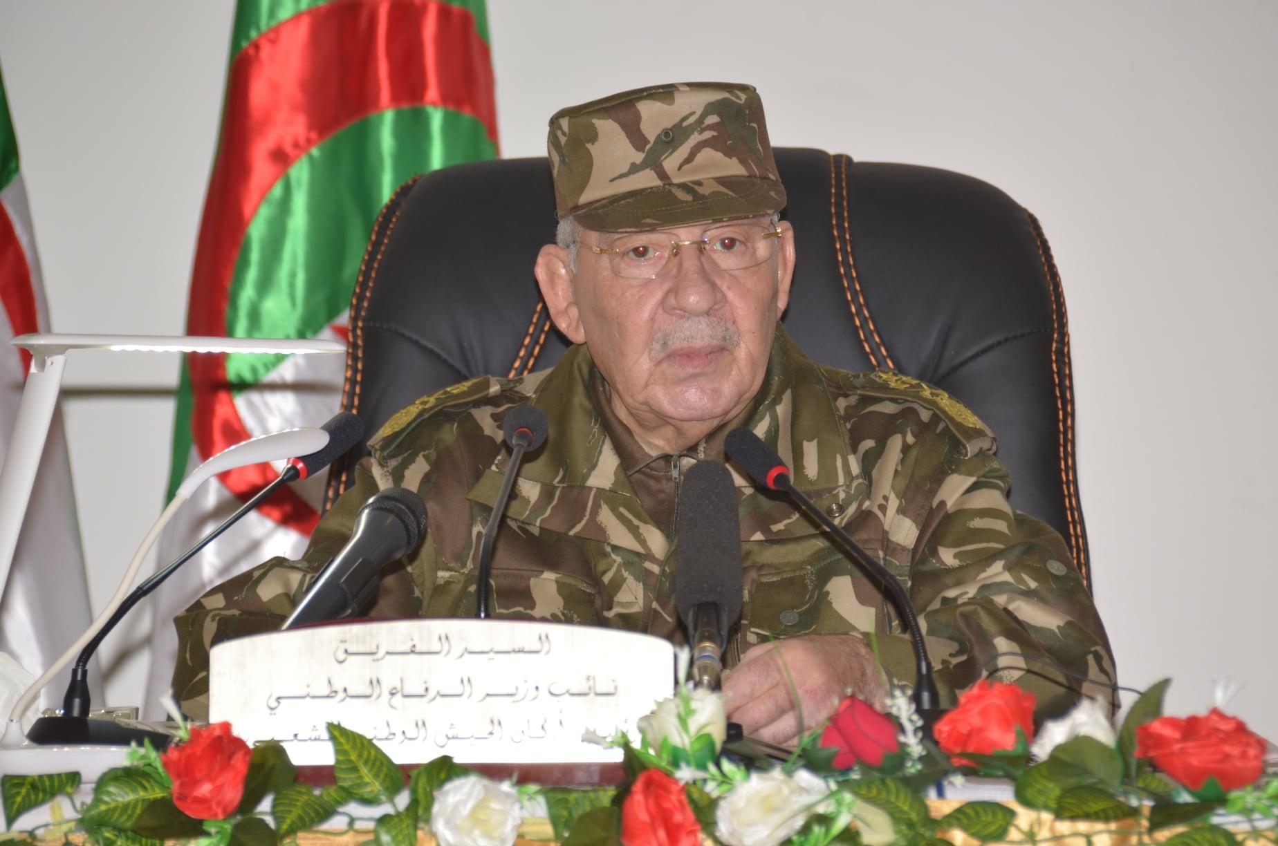 صورة قايد صالح يشيد بالهبة الشعبية الداعمة للانتخابات والجيش