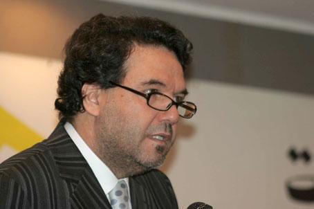 """صورة الكاتب أمين الزاوي """"الرئيس المنتخب مطالب بوضع خطط إستراتجية للخروج من الوضع المتأزم الذي تعيشه الجزائر"""""""
