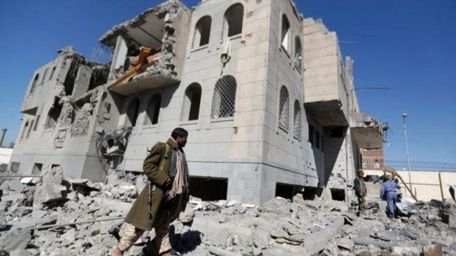 """صورة الحوثي يعلن لأول مرة عن """"تواصل"""" مع السعودية لإيقاف الحرب باليمن"""