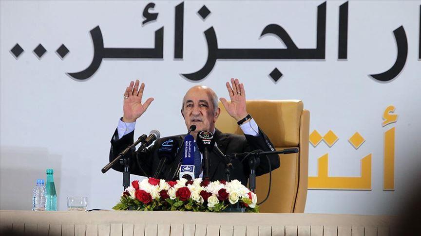 صورة تبون يؤدي اليمين الدستورية ويوجّه خطابا للأمة اليوم
