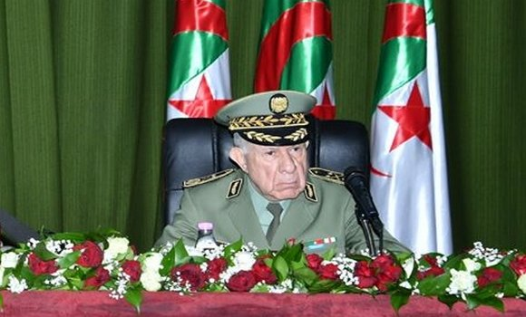 صورة رئيس الجمهورية يعين اللواء سعيد شنقريحة قائدا لأركان الجيش بالنيابة