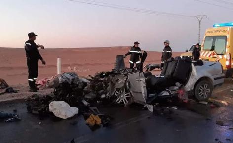 صورة مصرع 6 أشخاص وإصابة آخر في حادث مرور مروع بغرداية