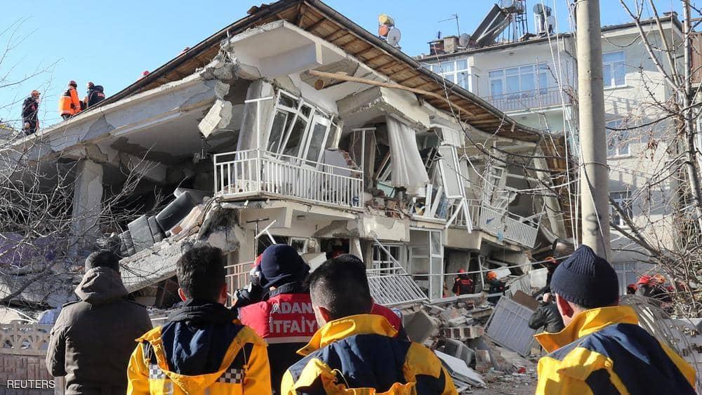صورة زلزال تركيا. .  عشرات تحت الأنقاض ومخاوف من الأسوأ