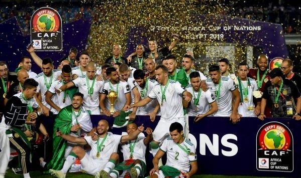 صورة الخضر في الصدارة ومحرز ثاني أفضل لاعب عربي بعد صلاح