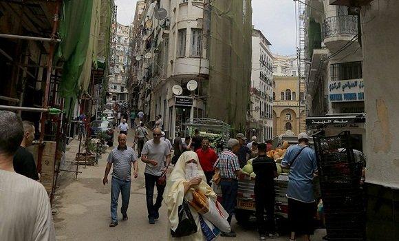 """صورة تقدم أشغال الترميم بنسبة 50 % بـ""""شارع طنجة"""""""
