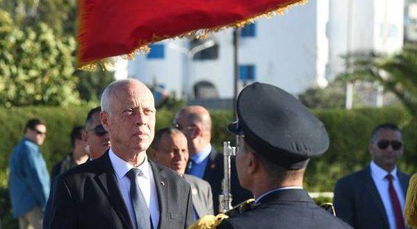صورة الرئيس التونسي قيس سعيد يصل إلى الجزائر