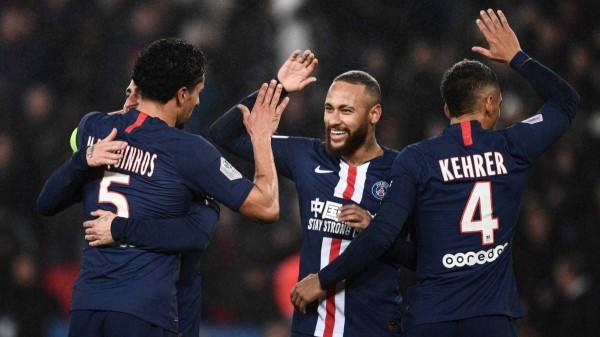 صورة اتجاه لإقامة مباراة باريس سان جيرمان وبوروسيا دورتموند بدون جمهور