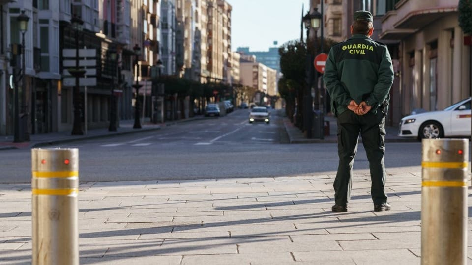 صورة خلال 24 ساعة.. 2000 إصابة كورونا في إسبانيا ووفاة 100