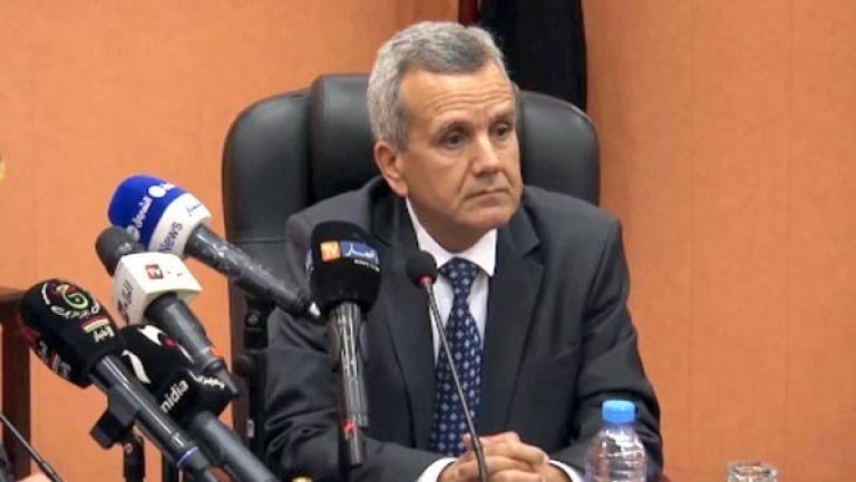 صورة وزير الصحة بن بوزيد: استلام 6000 مكثف أكسجين قريبا
