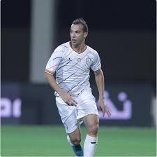 صورة بن العمري يغادر الشباب السعودي مع نهاية الموسم ؟