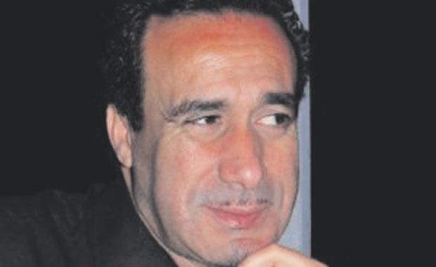 """صورة الفنان المسرحي حميد قوري: """"يجب أن نخلص المسرح الجزائري من الأعمال تحت الطلب"""""""