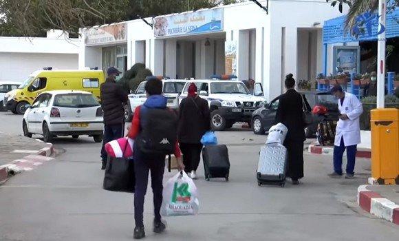 صورة وصول الفوج الاول من الرعايا الجزائريين العالقين بتركيا الى الجزائر