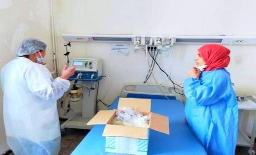 صورة وزارة البيئة والطاقات المتجددة: حملات تحسيسية ومنح 500 سرير طبي ومستلزمات الوقاية للعديد من الأسلاك