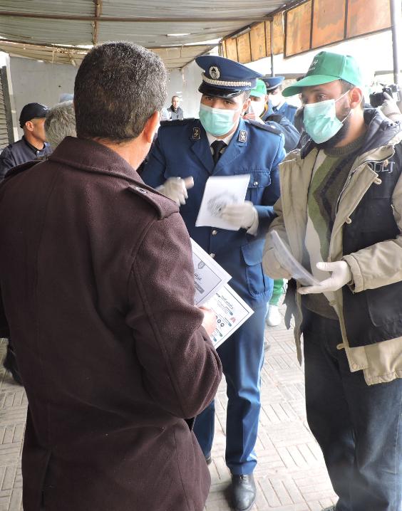 صورة استمرار عمليات التحسيس المختلفة والتعقيم ضد كورونا
