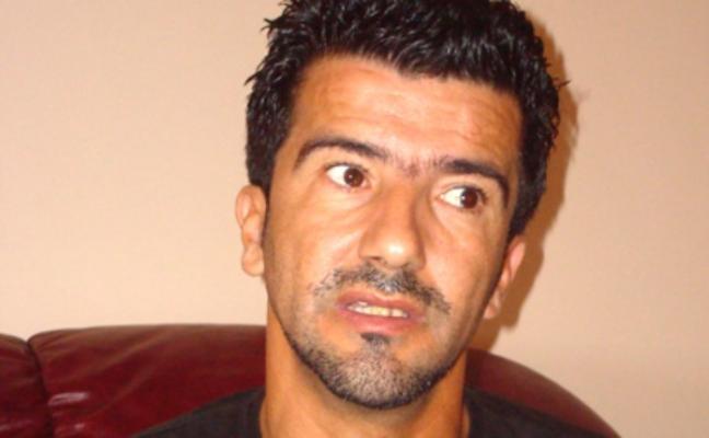 """صورة وزيرة الثقافة تتضامن مع الفنان المسرحي حكيم دكار بعد اصابته لفيروس """"كورونا"""""""