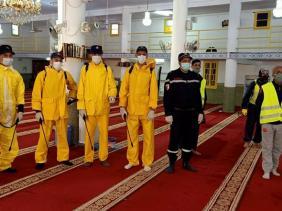 صورة كوفيد-19:انطلاق من وهران حملة وطنية لتطهير وتعقيم المساجد