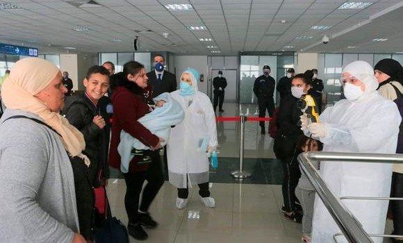صورة اجلاء الجزائريين العالقين بلندن: وصول 300 مسافر الى الجزائر يوم الاربعاء