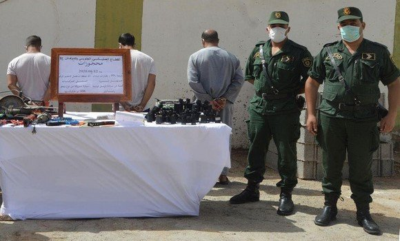 صورة وزارة الدفاع الوطني: حجز أكثر من 260 كلغ من الكيف المعالج بعدة ولايات من الوطن