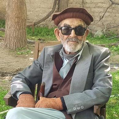 صورة تزوج 5 مرات ومات 9 من أبنائه.. وهزم كورونا في عمر 103 أعوام