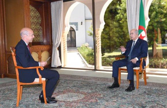صورة الرئيس تبون: مجابهة إشكالية الذاكرة مع فرنسا ضروري لتلطيف مناخ العلاقات بين البلدين