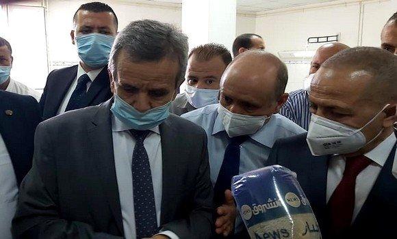 صورة بن بوزيد يدعو مستخدمي الصحة إلى توحيد الجهود للقضاء على الجائحة