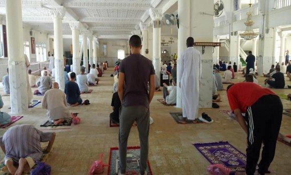 صورة إقامة صلاة الاستسقاء عبر جميع مساجد الوطن