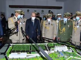 صورة الرئيس تبون: نادي الموقع أقل شيء ممكن تقديمه للضباط وضباط الصف للجيش بعد العناء في حماية الحدود و الدفاع عن الوطن