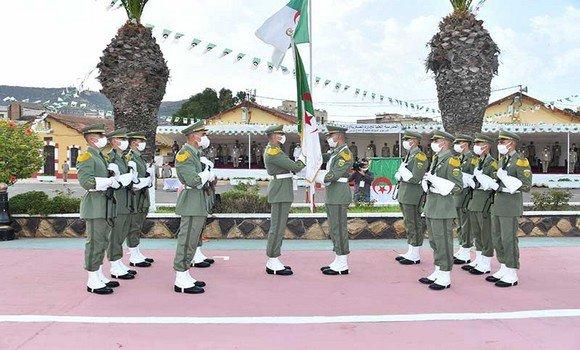 صورة تخرج خمس دفعات بالمدرسة العليا للإدارة العسكرية