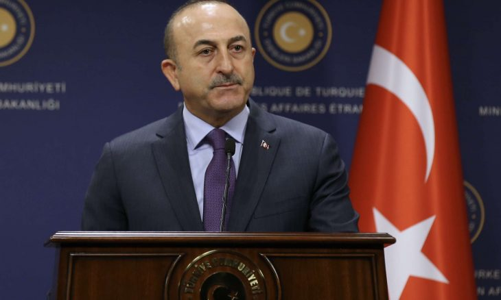 صورة وزير الخارجية التركي تشاووش أوغلو: اليونان ترفض الحوار وفرنسا محرضها الأكبر