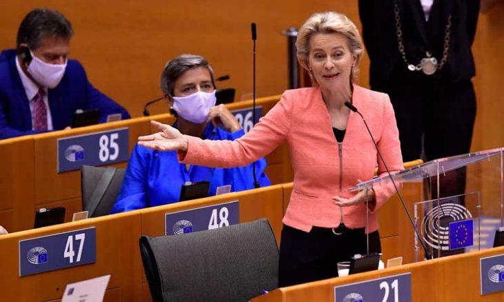 صورة رئيسة المفوضية الأوروبية أورسولا فون دير لاين: على الأوروبيين إدارة ظاهرة الهجرة بمشاكلها والفرص التي تخلقها