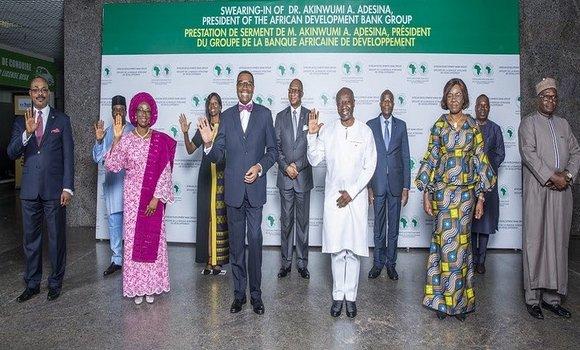 صورة وزير المالية يشارك في مراسم أداء يمين رئيس البنك الافريقي للتنمية