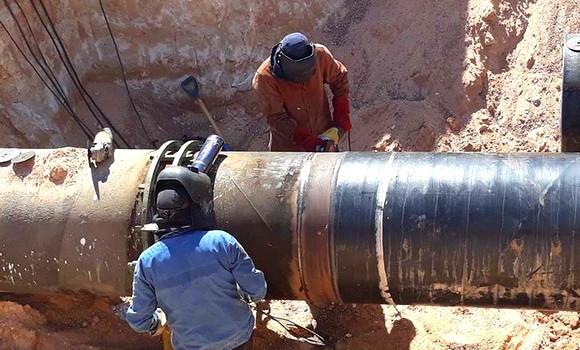 صورة سوناطراك تعلن عن الانتهاء من صيانة أنبوب OK1 واعادة ضخ البترول