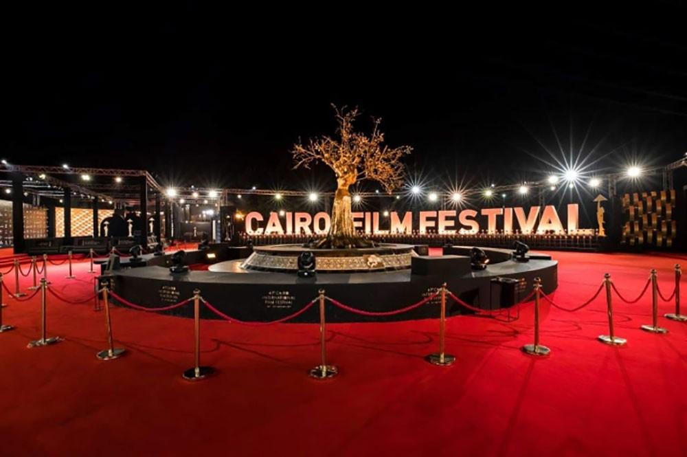 صورة كورونا يؤجل الدورة 42 من مهرجان القاهرة السينمائي الدولي