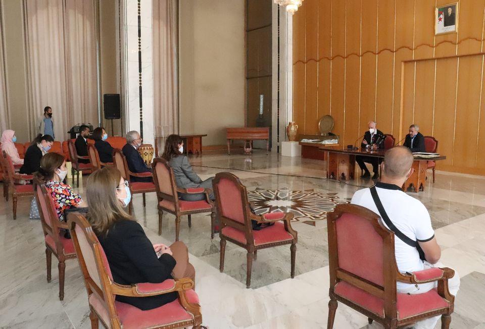 صورة توقيع اتفاقية شراكة بين وزارة الثقافة الجزائرية ونظيرتها لجمهورية التشيك