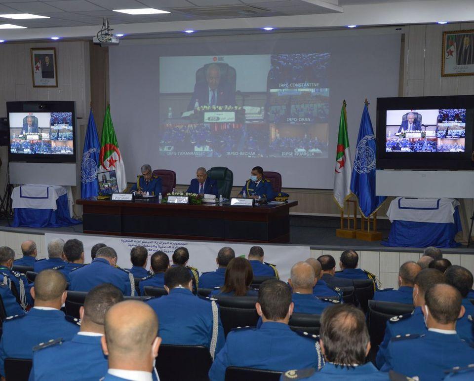 """صورة المدير العام للأمن الوطني: الشرطة الإدارية مدعوة إلى """"السرعة في معالجة طلبات المواطنين"""""""