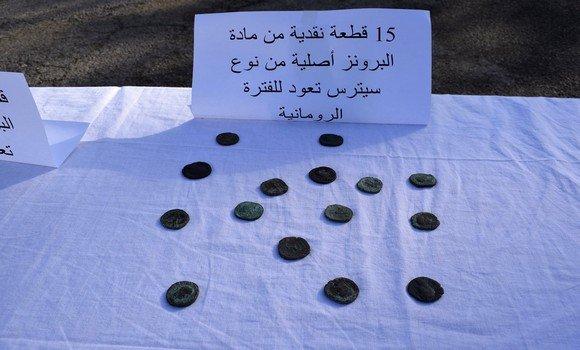 صورة عنابة: حجز 24 قطعة نقدية قديمة