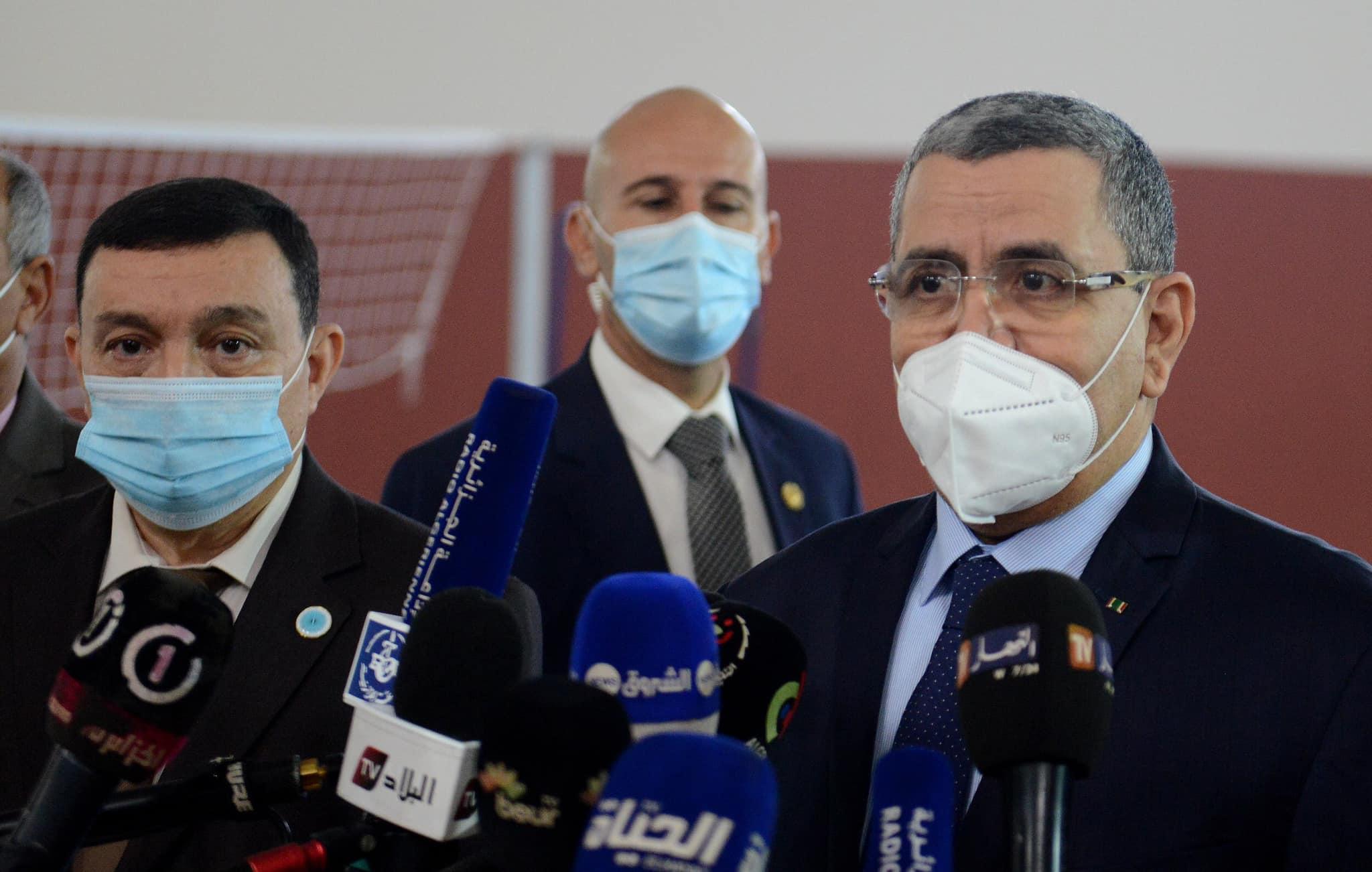 """صورة الوزير الأول عبد العزيز جراد:"""" إجراءات قاسية في حال تواصل ارتفاع عدد الإصابات بكوفيد 19″"""