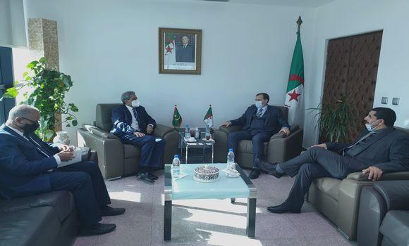 صورة رزيق: الجزائر ستواصل دعم السوق الموريتاني بمختلف صادراتها