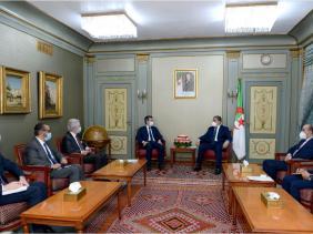 صورة جراد وبوقادوم وبلجود وبن مهدي يتحادثون وزير الداخلية الفرنسي