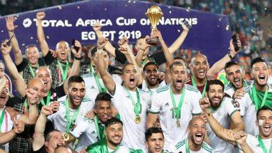 """صورة """"وجوه جديدة"""" تدعم منتخب الجزائر في موقعة زامبيا"""