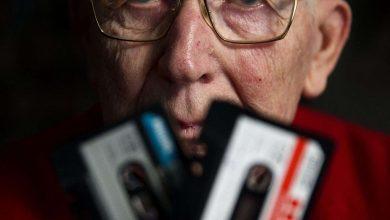 صورة وفاة لو أوتنز مخترع أشرطة الكاسيت عن 94 عاما