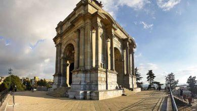"""صورة """"نصب الأموات"""" رمز حضارة الرومان وشاهد على استعمار الجزائر"""