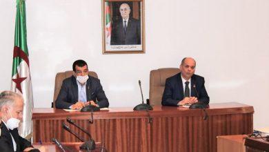 صورة تنصيب أول لجنة للحوار والتشاور بين وزار الصناعة والاتحاد العام للعمال الجزائريين لفرع الميكانيك